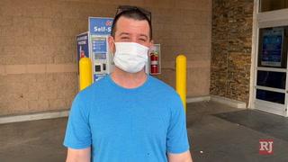 Las Vegas shoppers tout wearing masks during coronavirus pandemic