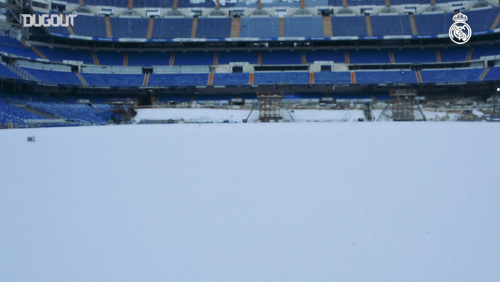 Spectacular images of the Santiago Bernabéu covered in snow