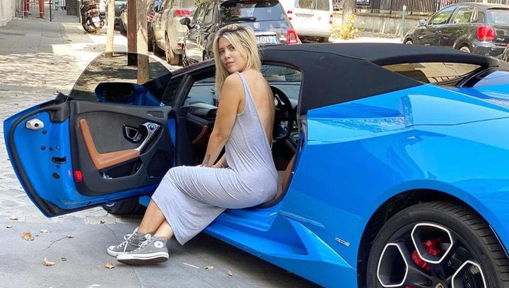 Wanda Nara compartió una imagen conduciendo su Lamborghini