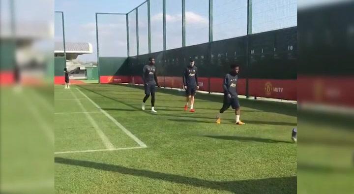 El Manchester United prepara el partido ante el Barça