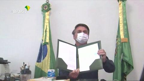 Bolsonaro vuelve a dar positivo a coronavirus, confinado en Brasilia
