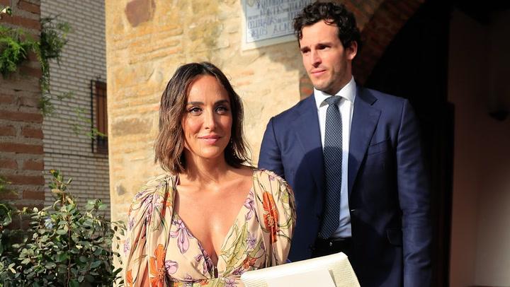La emoción de la madrina, el humor de Colate y todos los detalles de la boda de Felipe Cortina y Amelia Millán