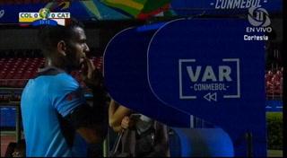 ¡El VAR le anula penal a Colombia ante Qatar la Copa América 2019!