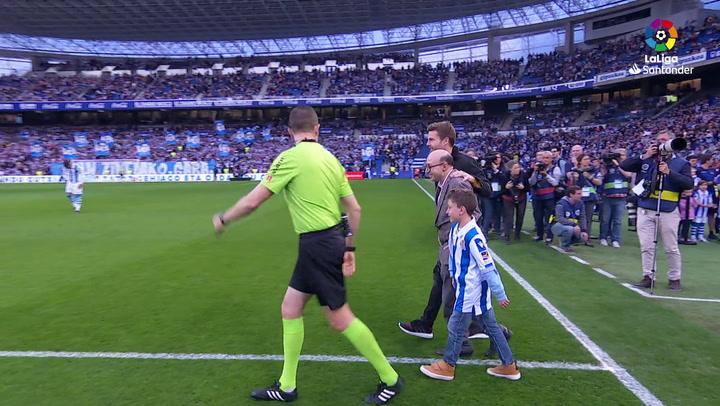 La Liga  Real Sociedad - Atlético de Madrid. Saque de honor de Jesús Vidal 832d5847bd444