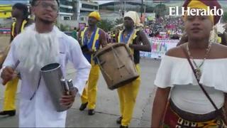Garífunas ponen el sazón en carnaval de la capital hondureña