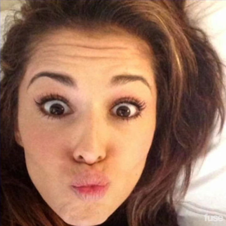 19 Awesome Artist Selfies ... Taken in Bed – Listology