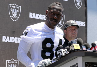Antonio Brown Back With Raiders on Final Day of Training Camp – VIDEO