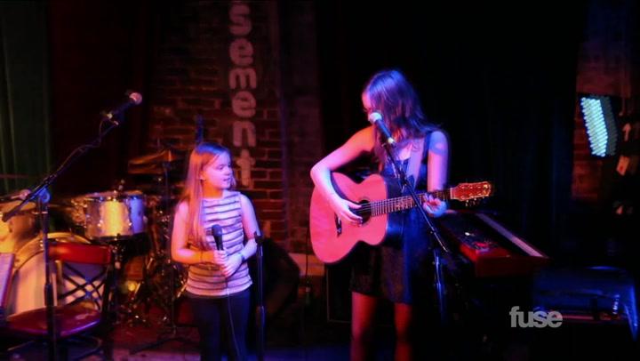 """Lennon & Maisy Perform """"Ho Hey"""" in Nashville"""