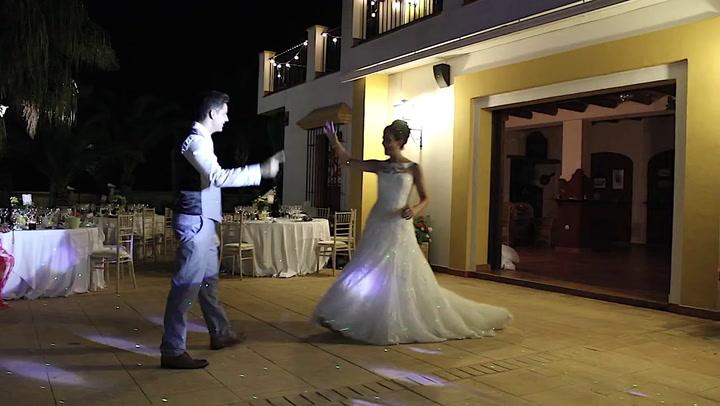 1f36a7e2c4 Minden idők legmenőbb esküvői tánca egy komplett kis showműsor | 24.hu