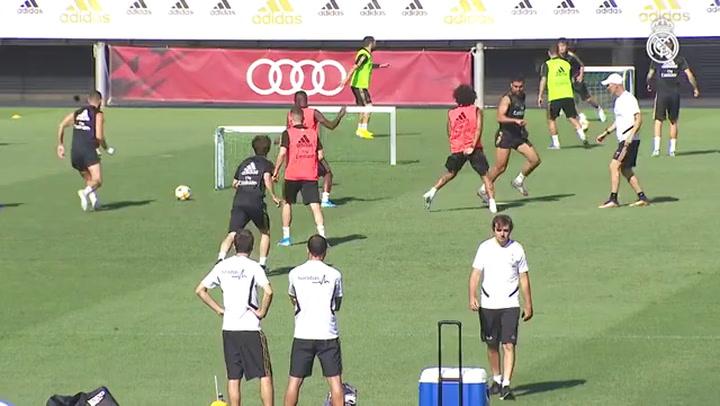 Último entrenamiento del Real Madrid antes de viajar a Roma