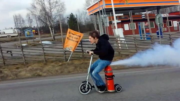 Svenske ga gass med hjemmelagd «scooter»