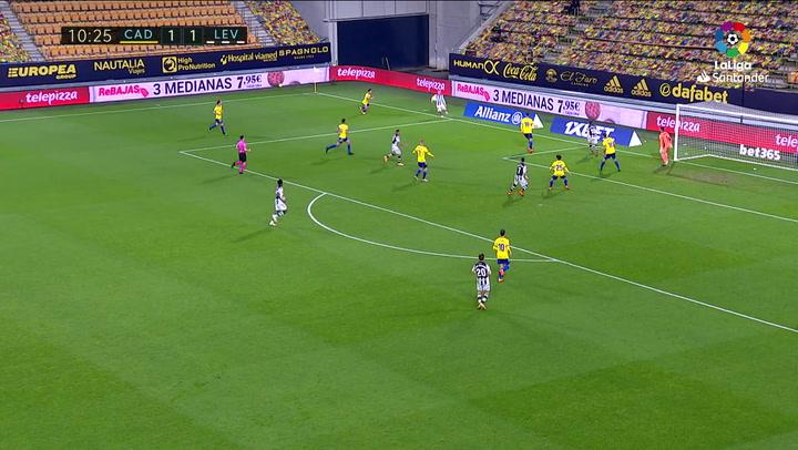 Gol de Roger (1-2) en el Cádiz 2-2 Levante