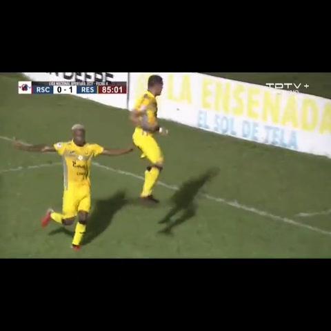 Omar Rosas anotó un doblete ante Real Sociedad