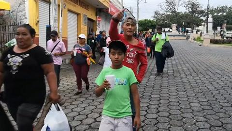 Caravana migrante desafía a Trump en intento de llegar a EEUU