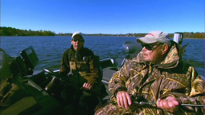 AnglingBuzz: Spot-on Boat Control for Fall Largemouths