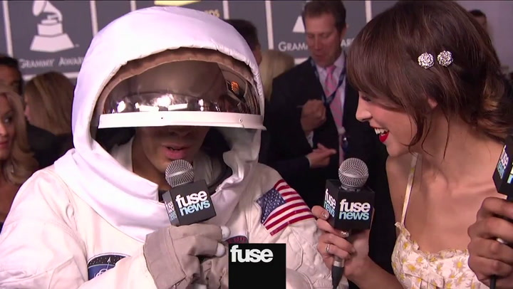 Interviews: Grammys: Why Did Al Walser Wear a Space Suit to The Grammys?