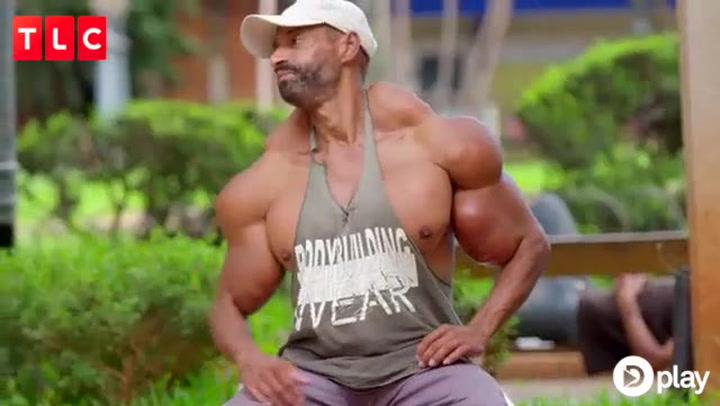 Menneskelig Hulk sprøjter olie i musklerne: Så galt går det!