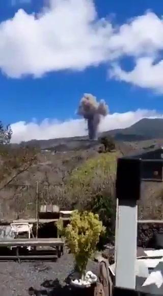 Preocupación total en isla de La Palma por erupción del volcán Cumbre Vieja