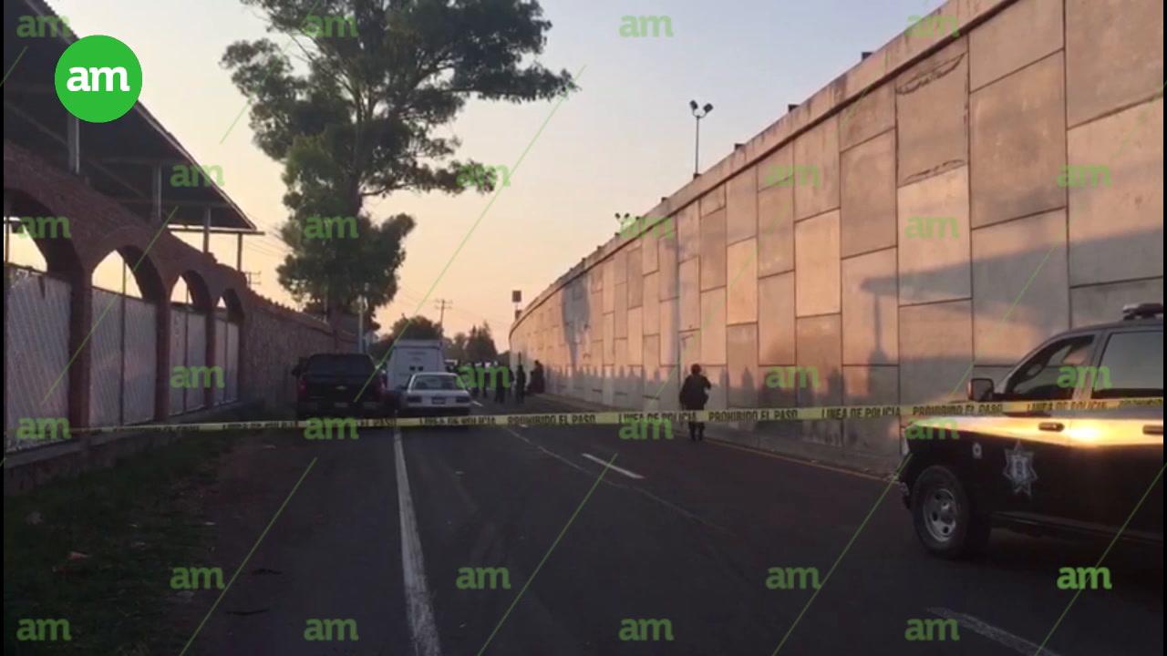 Video: Tiran cuerpo en El Trébol; cierran circulación