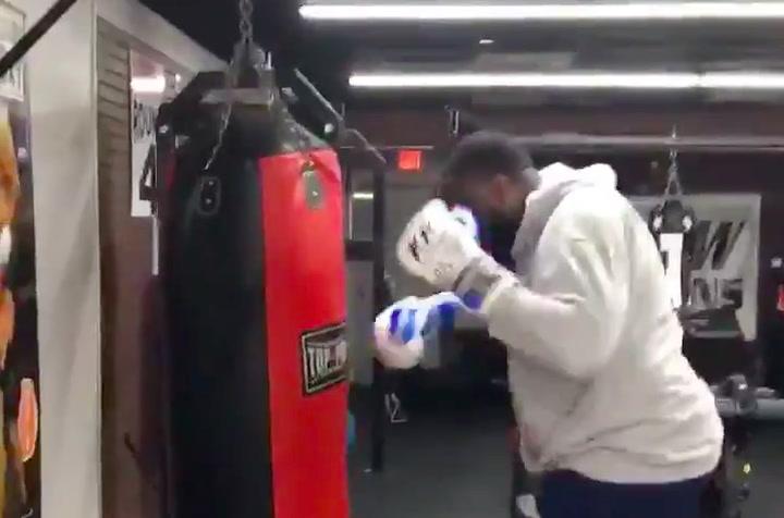 Kendrick Perkins entrena como un loco tras coger 35kg desde su retirada