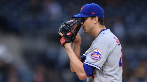 Are the Mets making a mistake by letting Jacob deGrom continue his throwing routine after early exit?