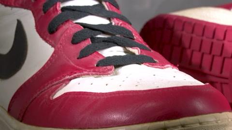 Zapatillas de Michael Jordan se subastan a USD 615.000, un récord mundial