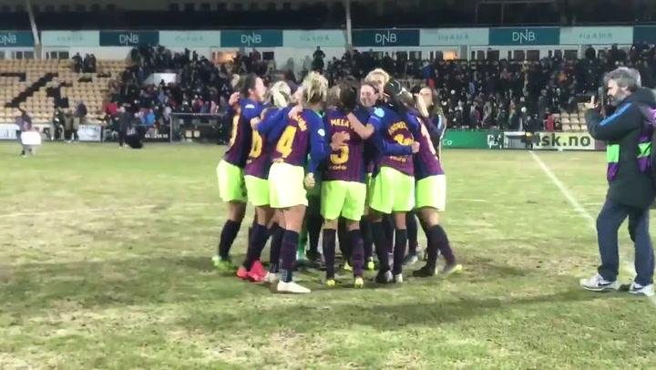Las jugadoras del Barça femenino celebran el pase a las semis de la Champions League