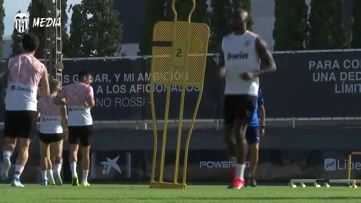 Entrenamiento del Valencia sin Rodrigo Moreno