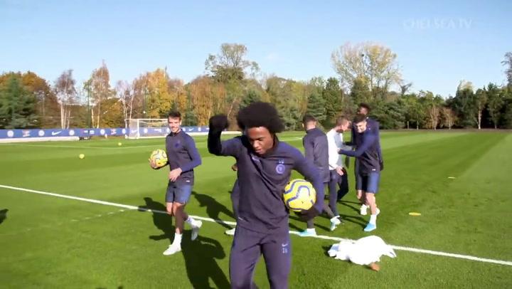 Willian, en un entrenamiento con el Chelsea