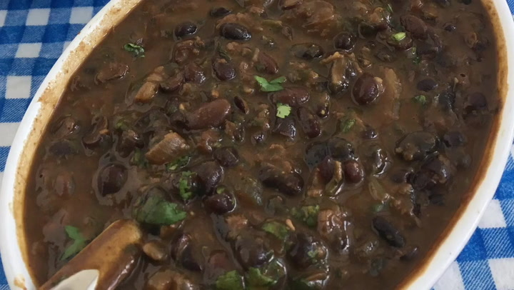 Quick And Easy Black Beans Coconut Curry Veena Azmanov