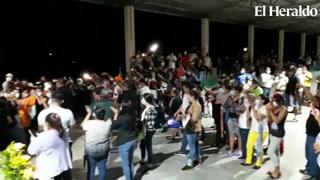 Entre aplausos, lágrimas e impotencia despiden al periodista Luis Almendares en Comayagua