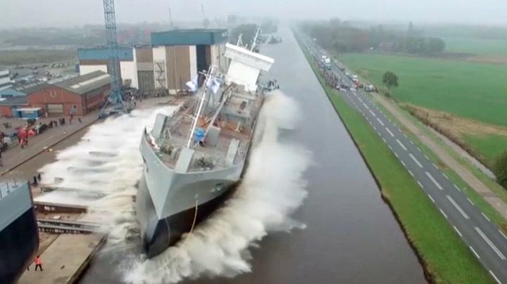 Lasteskip sjøsettes - så oppstår «flommen»