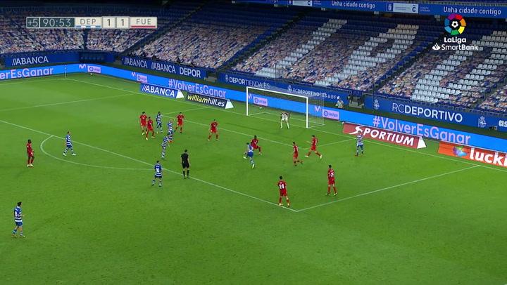 El VAR señaló penalti por mano en el minuto 95