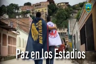 El video con el que la Policía Nacional insta a la paz a barras de Olimpia y Motagua