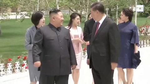 Pionyang y Pekín escenifican su renovada amistad con la visita de Xi