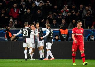Cristiano Ronaldo y Gonzalo Higuaín le dan triunfo a la Juventus en la Champions League