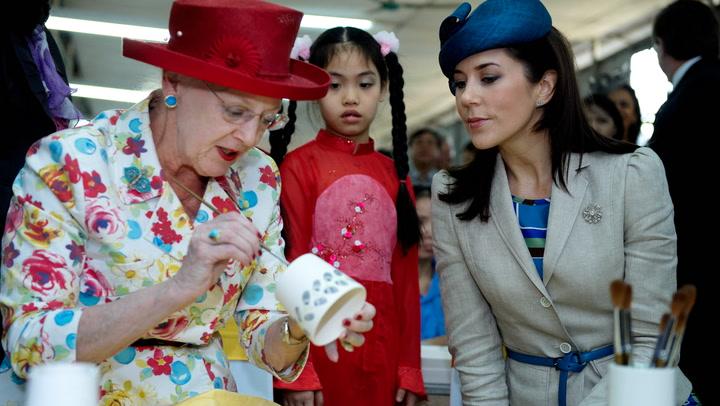 ¿Te imaginas a una reina bordando? Margarita de Dinamarca lo hace y ahora van a exponer sus trabajos