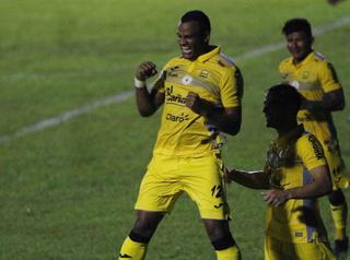 ¡Rony Martínez anota su gol 100 en la Liga Nacional frente a Honduras Progreso!