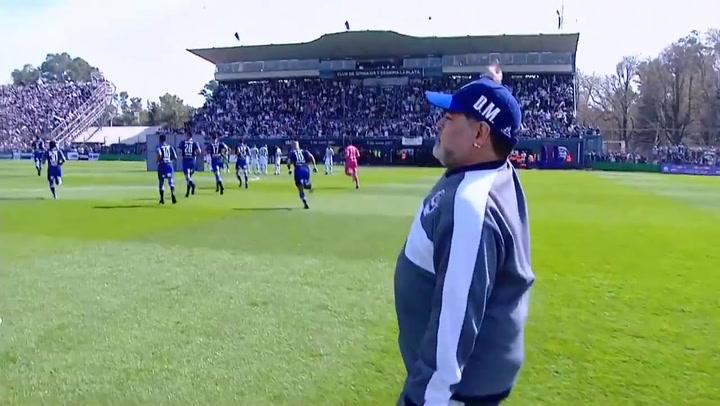 La afición de Gimnasia y Esgrima recibió a lo grande a Maradona