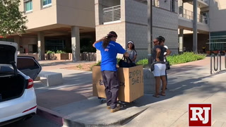 UNLV students move in the dorms