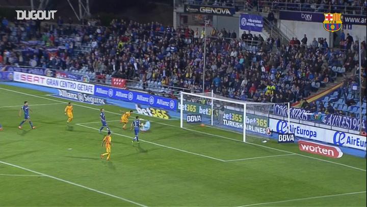 Sergi Roberto's amazing backheel assist to Suarez against Getafe
