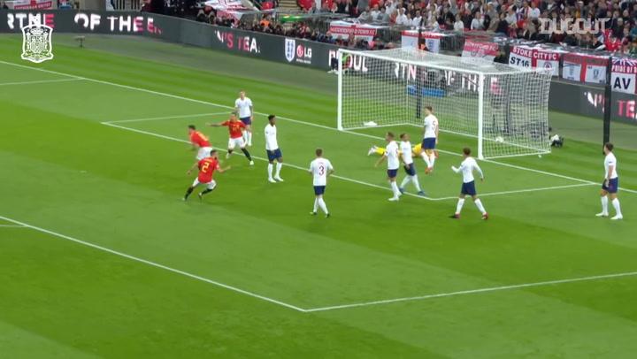 Saúl's goal vs England at Wembley