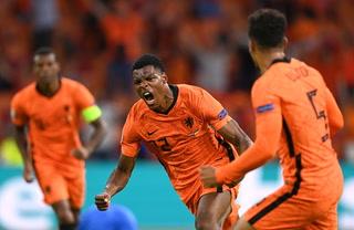 ¡Infartante! Holanda sufre para vencer a Ucrania en los últimos instantes y salva su debut en la Eurocopa