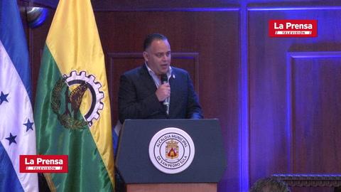 Mauricio Dubón recibe reconocimiento como Sampedrano Distinguido por parte de la alcaldía