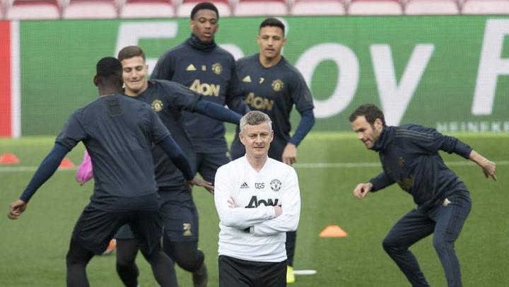 El Manchester United se ejercita en el Camp Nou
