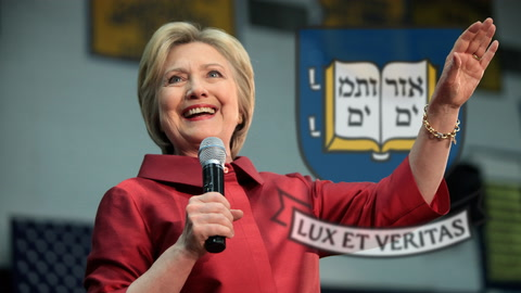 Clinton Bashes Trump  in Yale Address