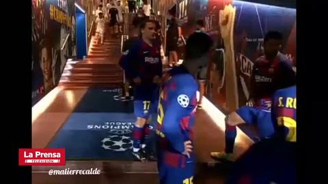 El efusivo discurso de Messi a sus compañeros en el entretiempo del Barcelona- Napoli