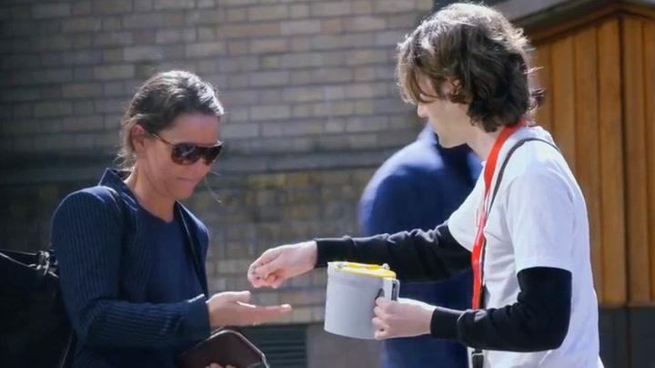 Folk i Oslo fikk hakeslepp: Her får de penger av en fremmed