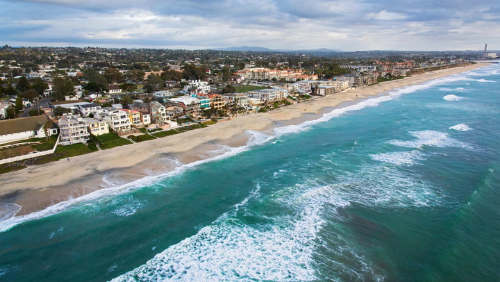 America's Top 5 Budget-Friendly Beach Towns