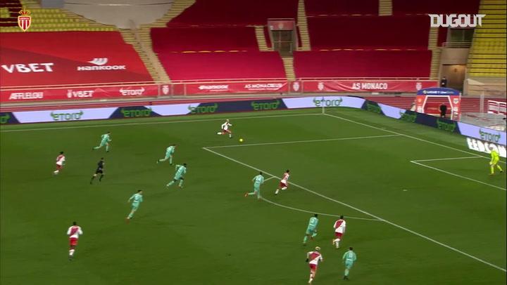 Le superbe but collectif de Volland contre Angers